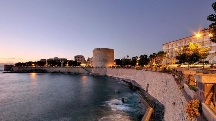 Бастион Маддалены в городе Альгеро на острове Сардиния