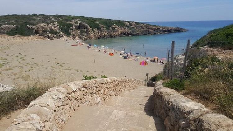 Calamosca Beach - один из лучших пляжей города Кальяри