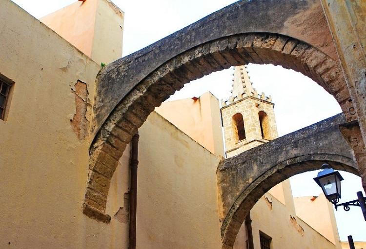 Кафедральный собор в Альгеро - история строительства сооружения