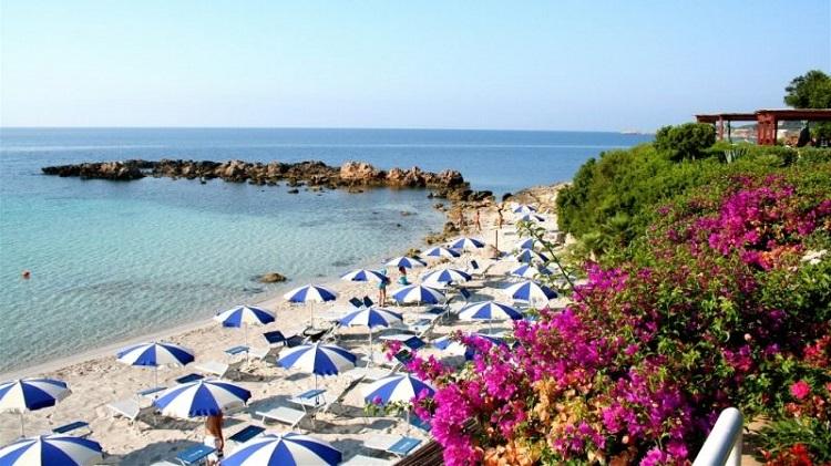 Пляжи Альгеро - обзор самых лучших мест города