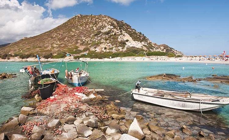 Пунта Молентис - пляж в городе Кальяри на Сардинии