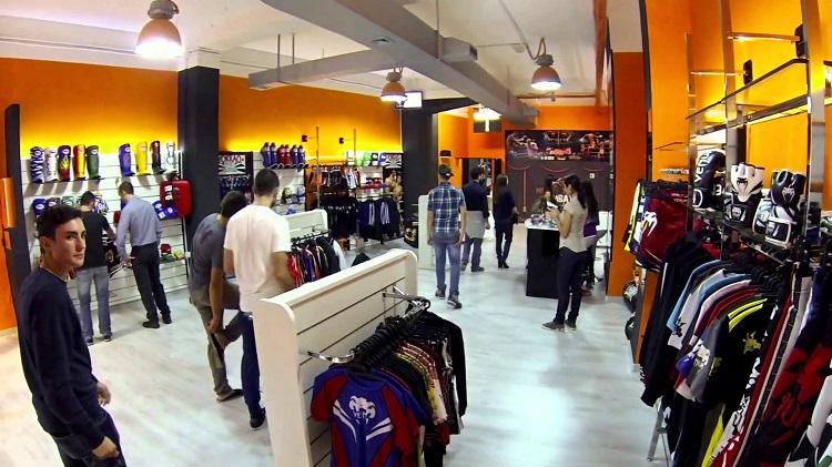 Особенности шопинга в городе Кальяри - описание бутиков