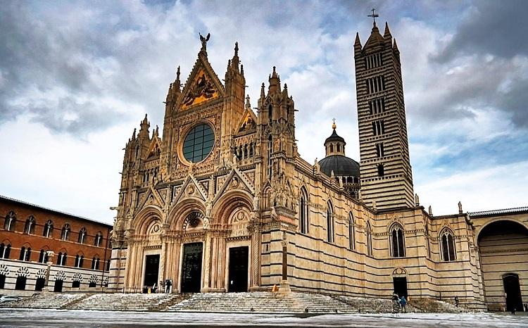 Сиенский Собор — история древнего сооружения Италии