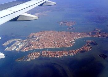 Добраться до аэропорта в Венеции