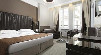 В номере отеля Artemide 4*