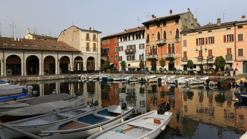 Дезенцано-дель-Гарда - юго-восточный город на озере Гарда