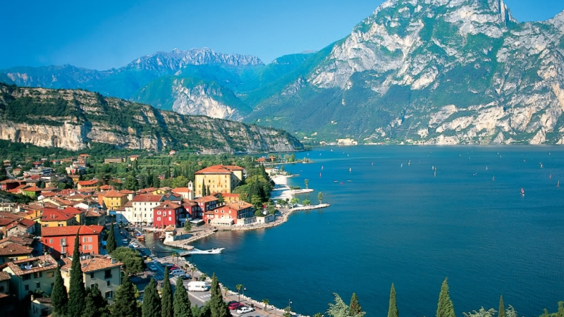 Озеро Гарда соединяет три провинции Италии