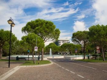 Фото площади в тихом районе Бибионе Пинета