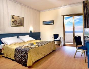 В каком отеле остановиться на отдыхе в Чефалу?