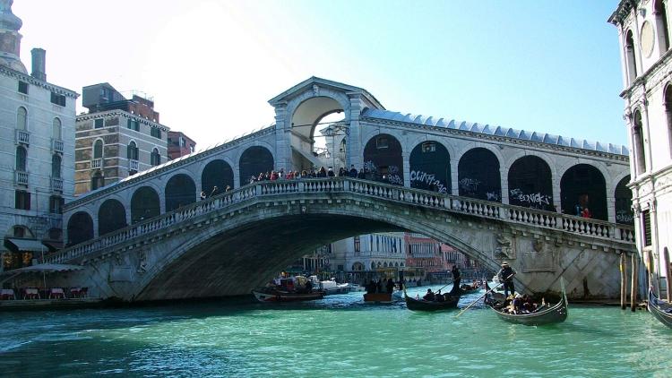 Архитектура моста Риальто и его описание