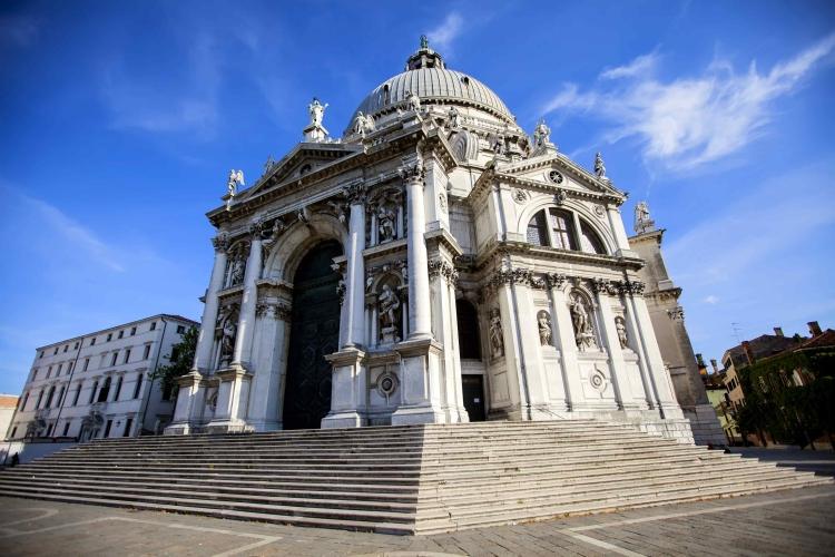 Внешний вид собора Санта-Мария-делла-Салюте