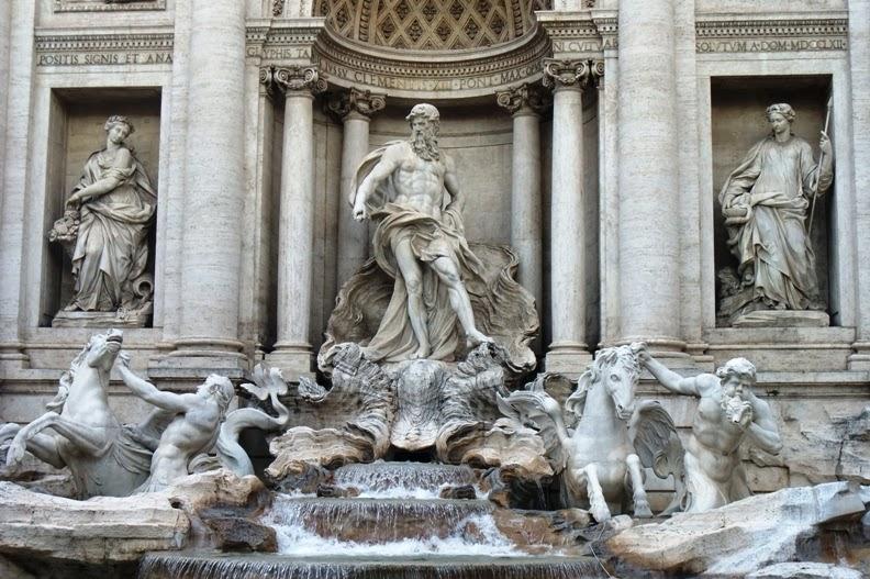 Фонтан Треви в Риме - что означает архитектурная композиция