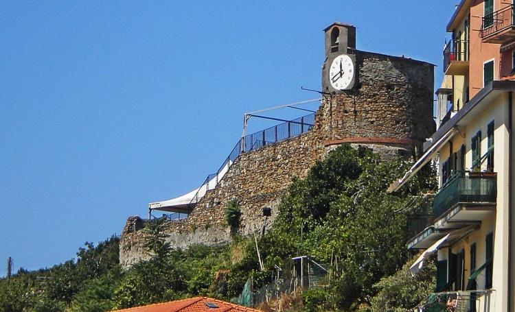 Замок в Риомаджоре в Чинкве Терре