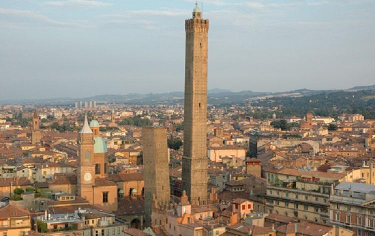 Самые известные и знаменитые падающие башни в Италии