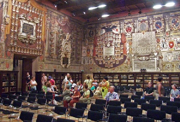 Самый старый университет Европы - Болонский университет