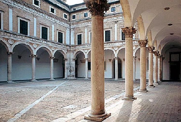 Архитектура строения эпохи Ренессанса в Италии - пацо Медичи-Риккарди