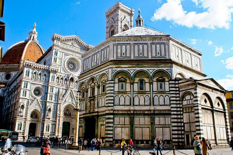Баптистерий Сан Джиованни - достопримечательность во Флоренции