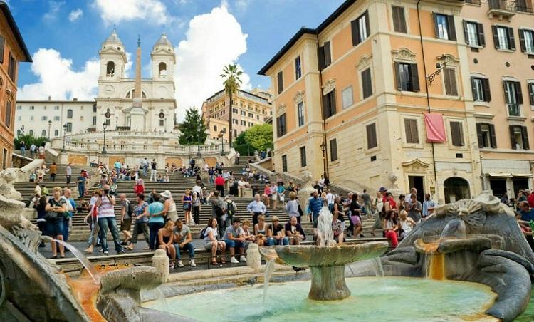 Достопримечательности Рима - Испанская лестница в Италии