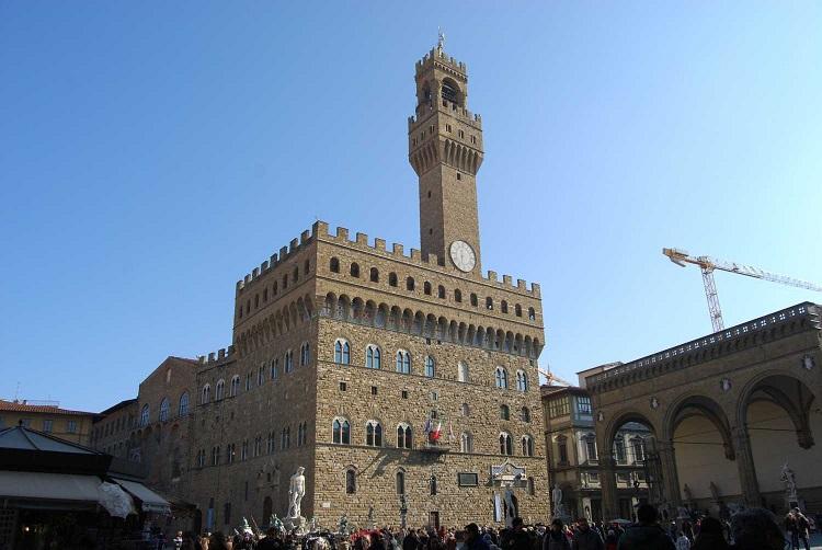 Дворец Палаццо Веккьо - главная достопримечательность Флоренции
