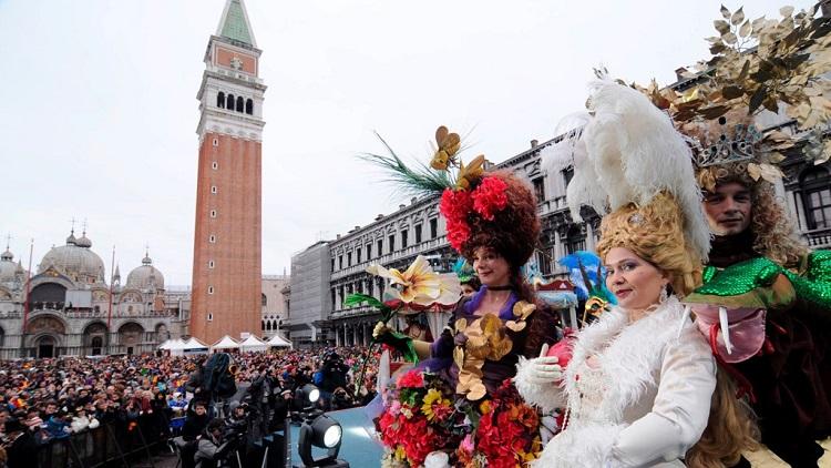 Как попасть на Венецианский карнавал в Италии - советы туристам