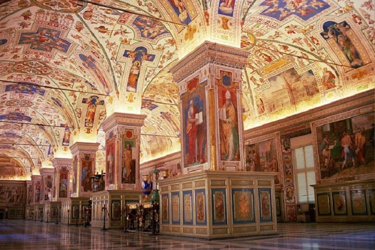 Собор Святого Петра в Риме - внутренне убранство сооружения