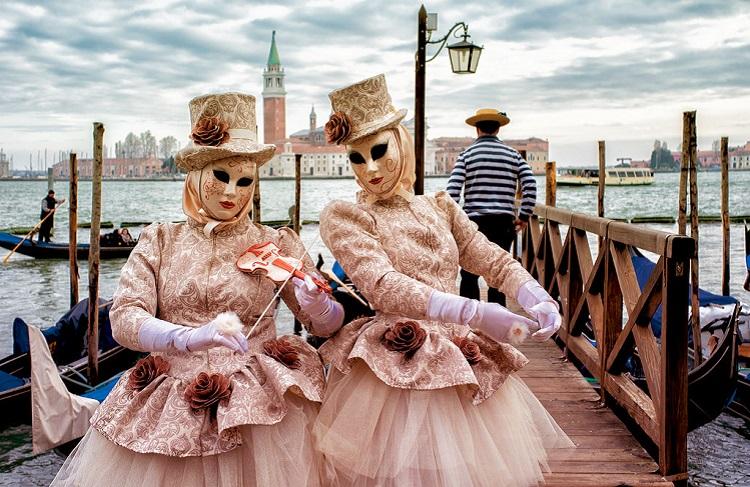 Венецианский карнавал в Италии - история и традиции праздника
