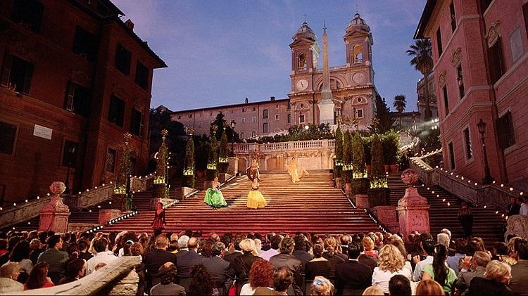 Вверх по лестнице - знаменитая достопримечательность Рима - Испанская лестница