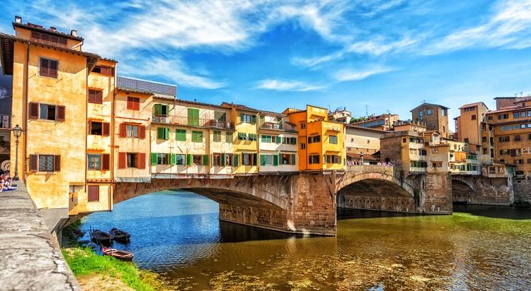 Золотой мост во Флоренции - знаменитая достопримечательность Италии
