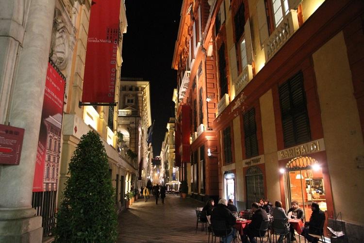 Что такое rolly-days и описание достопримечательностей на улице Виа Гарибальди