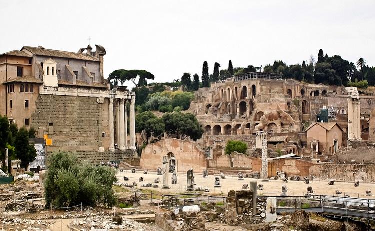 Палатинский Холм - знаменитое место в Риме