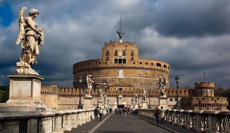 Замок Святого Ангела - описание величественного сооружения Рима