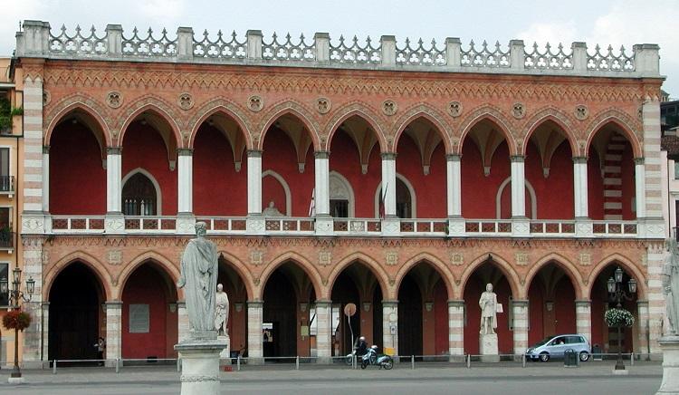 Лоджия Амулеа в Падуе - чем знаменито сооружение итальянского городка