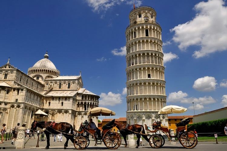 Знаменитая площадь чудес в Пизе и ее достопримечательности