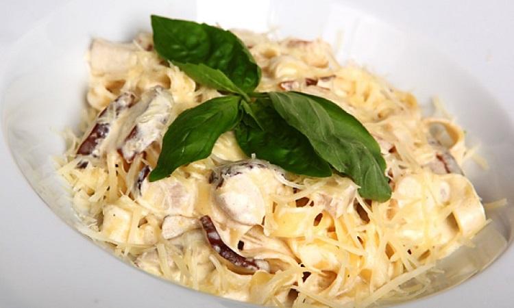 Как приготовить фетучини с грибами в сливочном соусе - классический итальянский рецепт