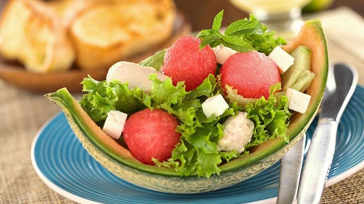 Капрезе с арбузом - подробный рецепт приготовления итальянского блюда