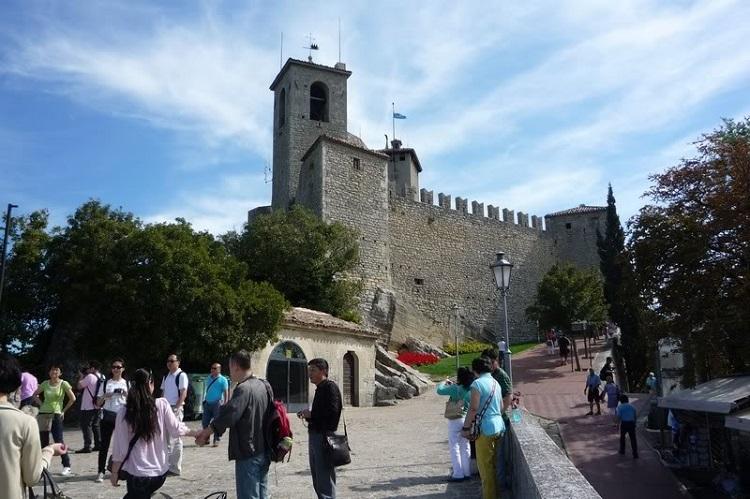 Крепость Гуаита - время работы главной достопримечательности Сан-Марино