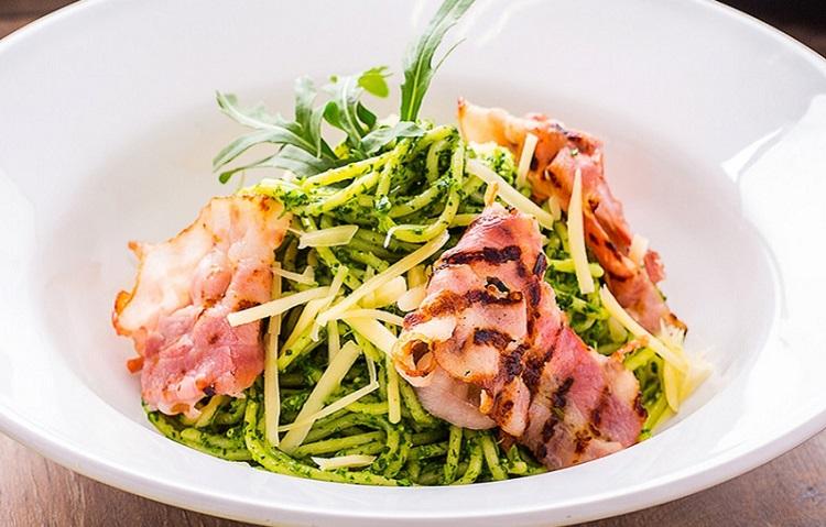 Рецепт приготовления спагетти с соусом песто и беконом - пошаговая инструкция