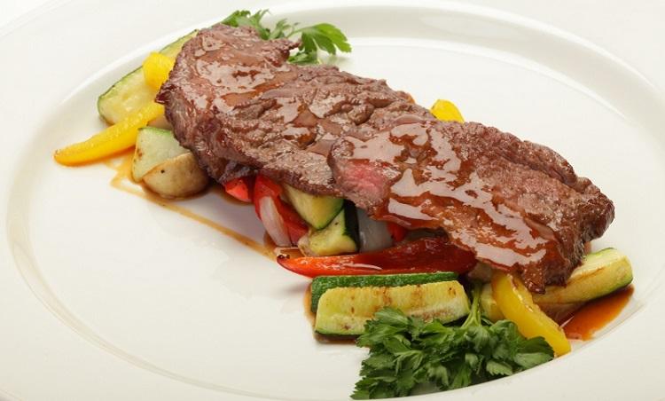 Тальята из телятины с тушеными овощами - рецепт приготовления