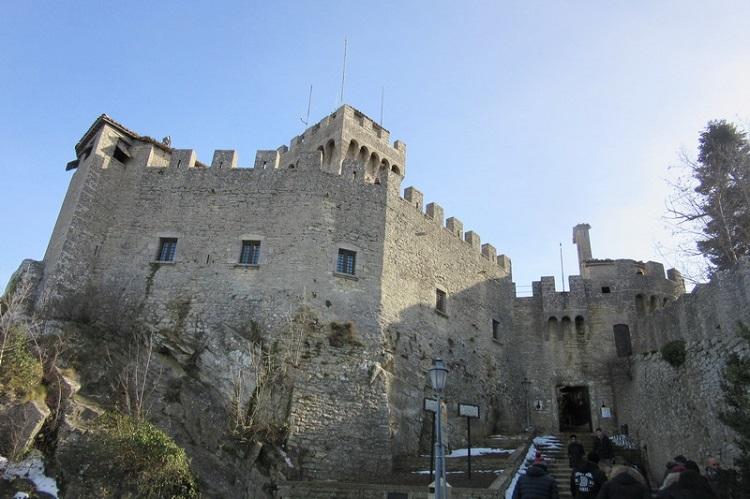 Часы работы и стоимость билетов в музей Сан-Марино - башню Ла Честа