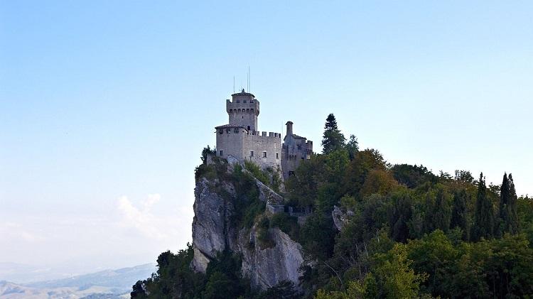 Чем знаменита башня Ла Честа в Сан-Марино - история строительства