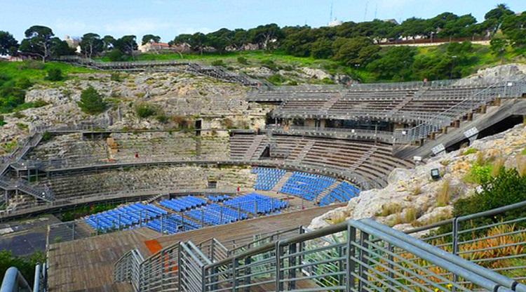 Древнейший Амфитеатр в городе Кальяри на острове Сардиния