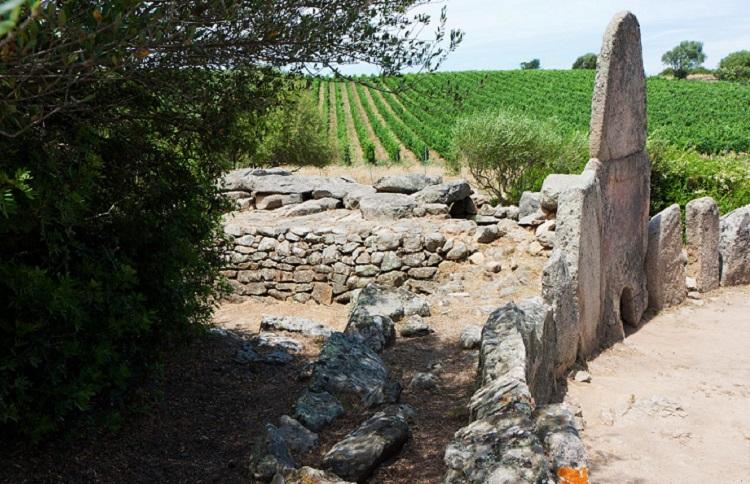 Гробницы гигантов на Сардинии - несколько интересных фактов о главной достопримечательности острова
