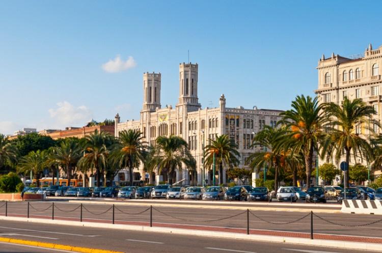 Королевский дворец в городе Кальяри - несколько фактов о достопримечательности