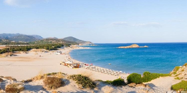 Санта-Маргерита - один из самых чистых пляжей города Кальяри