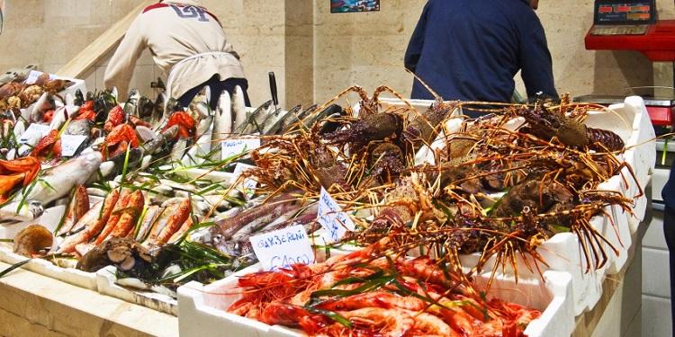 San Benedetto market - один из самых популярных рынков города Кальяри